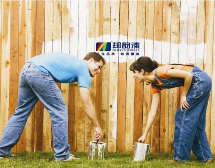 木栅栏用白色木器漆装修效果图