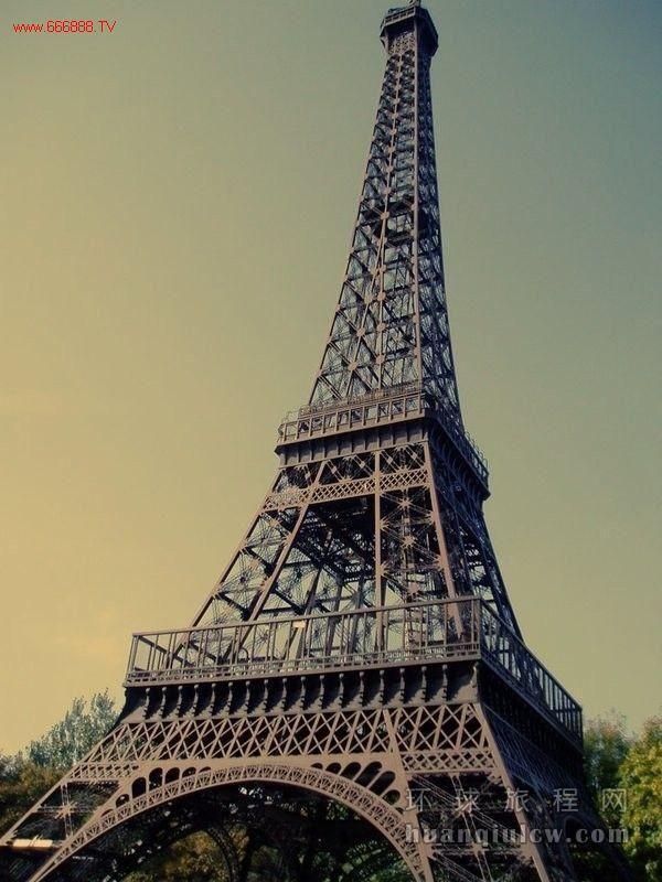 法国埃菲尔铁塔防护选用高性能防腐涂料