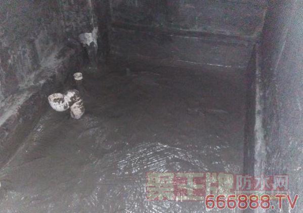 卫生间淋浴区墙面防水必须做到1米8以上甚至满墙