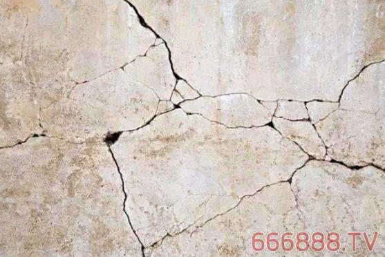 """墙面开裂谁之过?别再让真石漆背""""黑锅""""了!"""