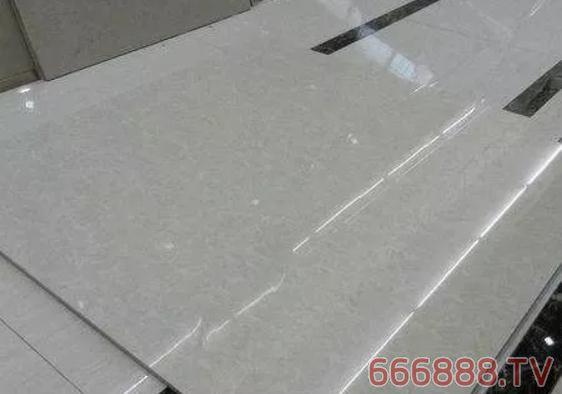瓷砖铺贴为什么玻化砖上墙一定要刷背胶?